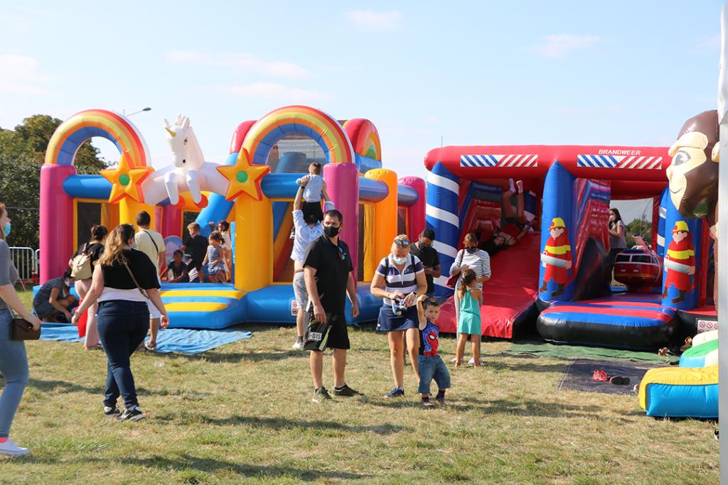 Aire de jeux pour les enfants pendant EXPO60 à Beauvais